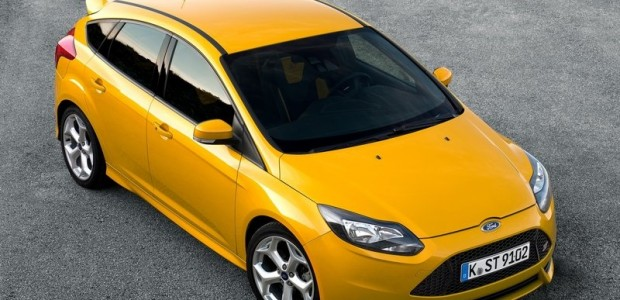 Ford-Focus_ST_2013_800x600_wallpaper_01