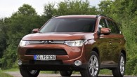 """Tirdzniecībā Latvijā ir nonācis jaunais trešās paaudzes""""Mitsubishi Outlander"""" krosovers, ko pirmo reizi prezentēja jau šā gada pavasarī Ženēvā, bet sērijveida..."""