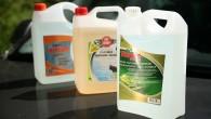Saskaņā ar jaunākajām vides aizsardzības un patērētāju drošības veicināšanas tendencēm automašīnu vējstiklu un lukturu mazgāšanas šķidrumu ražotāji atsakās no košu...