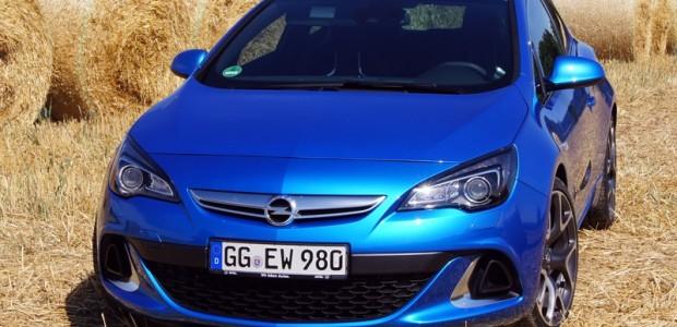 Opwl Astra sedan&OPC_Frankfurt_28.08.2012 1