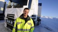 """Jaunais """"Volvo FH"""", kas ir """"Volvo Trucks"""" smagā komerctransporta stūrakmens, izstrādes un sagatavošanas ražošanai laikā ir pieredzējis pamatīgas pārbaudes. Tas..."""