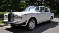 """""""Coys"""" izsoļu nams izlicis pārdošanai 1974. gada izlaiduma """"Rolls-Royce Silver Shadow"""", kas dzīves laikā piederēja populārās grupas """"Queen"""" solistam Fredijam..."""