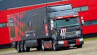 """Sekojot uzvarētāju tradīcijām, arī kravas automobiļu ražotājs """"Renault Trucks"""" laidis klajā seglu vilcēja """"Premium"""" speciālo sēriju """"Truck Racing-2013"""". Šīs speciālās..."""