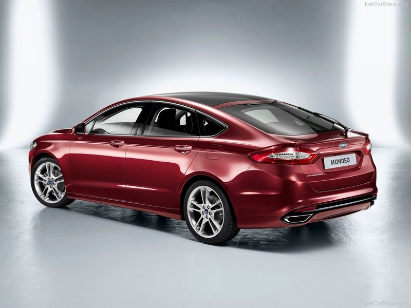 Ford-Mondeo_2013_07