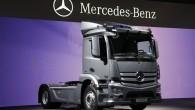 """Ceturtdien, 11.aprīlī Rīgā noslēgsies kravas automobiļu ražotāja """"Mercedes-Benz"""" rīkotais """"Actros Roadshow"""" – prezentācijas brauciena tūre caur deviņām valstīm. Svaigākie """"Mercedes-Benz..."""