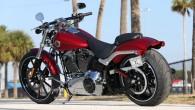 """Populārais amerikāņu motociklu ražotājs """"Harley-Davidson"""" paplašina modeļu gammu, papildinot """"Softail"""" saimi ar vienu ļoti atraktīvu rodsteru """"FXSB Breakout"""". Laikam šis..."""