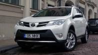 """""""Toyota"""" veikusi ļoti nopietnu sava populārā parketa džipa """"RAV4"""" revīziju. Japāņu krosovers ir tik ļoti atjaunināts, ka teju vai prasītos..."""