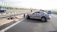 """Internetā nonākuši attēli, kuros uzņemts Vācijā uz autostrādes testa laikā avarējis """"BMW"""" 2. sērijas pirmssērijas prototips. Kā ziņo portāls """"Autoevolution"""",..."""