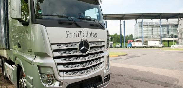 Mercedes-Benz Truck Driving 1
