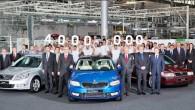 """Svētki Mladoboļeslavā turpinās – vakarrīt no """"Škoda"""" montāžas konveijera nobrauca """"Octavia"""" četrmiljonais eksemplārs. Par jubilejas automobili kļuva """"Race-Blue"""" krāsas sedans..."""