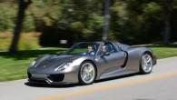 """Pāris dienas pirms oficiālās pirmizrādes sportisko automobiļu ražotājs """"Porsche"""" izplatījis internetā hibrīda """"918 Spyder"""" sērijveida versijas attēlu. """"Porsche"""" hibrīdautomobilis, par..."""