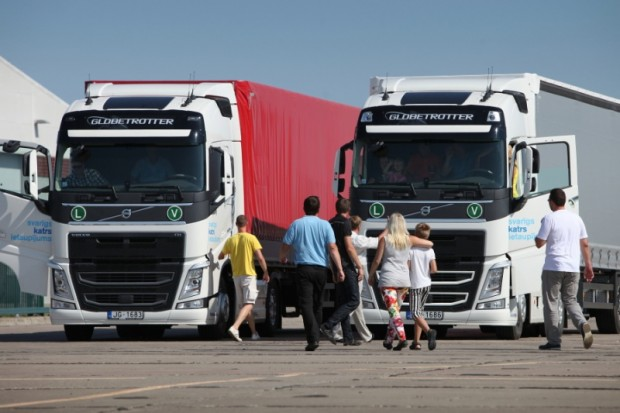 Volvo FH Roadshow 02