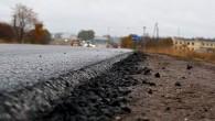 """""""Latvijas Valsts ceļu"""" (LVC) ceļu laboratorija ir veikusi nepabeigtā autoceļa posma Viskāļi-Koknese satiksmes mezglā ar autoceļu Tīnuži-Koknese noņemto asfaltbetona paraugu..."""