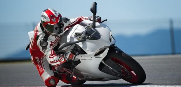 Ducati_Panigale_899_1