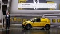 """Autoizstādē Frankfurtē """"Volkswagen"""" komerciālo automobiļu nodaļa prezentēja savu redzējumu par tēmu """"komerciālie pilsētas automobiļi""""– ar elektrību darbināmu pilsētas kravas mazauto..."""