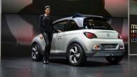 """Autoražotājs """"Opel"""" informē, ka nākamā gada beigās prezentēs uz mazauto """"Adam"""" izveidotu kompaktu krosoveru. Redzot, cik lielu popularitāti iemantojis krosovers..."""