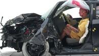 """""""Toyota"""" jaunās paaudzes sedans """"Corolla"""" visai negaidīti uzrādījis nepietiekamu izturību amerikāņu """"IIHS"""" triecienizturības pārbaudē. Amerikas apdrošināšanas satiksmes drošības institūts (IIHS)..."""