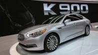 """Losandželosas izstādē korejiešu autoražotāja """"Kia"""" stendā goda vietu ieņem modeļu līnijas flagmanis – luksusa klases sedans """"K900"""". Interesanti, ka ASV..."""