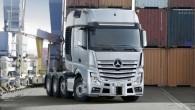 """Kompānija """"Daimler Trucks"""" prezentējusi jaunās paaudzes seglu vilcējus """"Mercedes-Benz Actros SLT"""" un """"Arocs SLT"""", kas paredzēti sevišķi smagu piekabju transportēšanai...."""