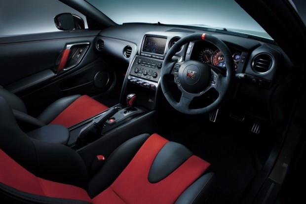 Nissan GT-R Nismo 2014 02