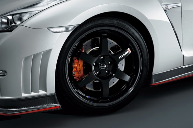 Nissan GT-R Nismo 2014 03