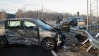 """Sestdienas, 14.decembra rītā,pēc pulkten 10.00 """"AutoMedia.lv"""" kļuva par liecinieci kārtējai avārijai. ŠoreizTallinasšosejas krustojumā ar ceļu Saurieši-Tīnūži, kas tikai neilgi kā..."""