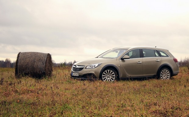 07-Opel Insignia Country Tourer