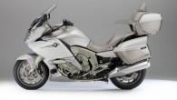 """""""Exclusive"""" ir """"BMW Motorrad"""" tūrisma modeļu flagmanis. Jaunajā paaudzē tas piesaka vēl bagātīgāku, klasē labāko aprīkojumu. """"BMWK1600GTLExclusive"""" bāzes komplektā ietilpst..."""