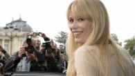 """Vācu izcelsmes modele un Holivudas aktrise Klaudija Šīfere ir izvēlēta par """"Opel"""" zīmola vēstnieci un """"seju"""". Nudien pievilcīga seja! Lieki..."""