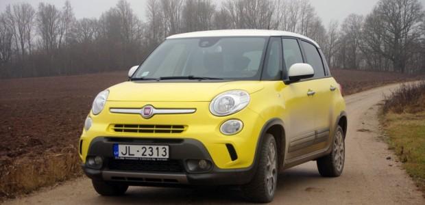 01-Fiat 500L Trekking