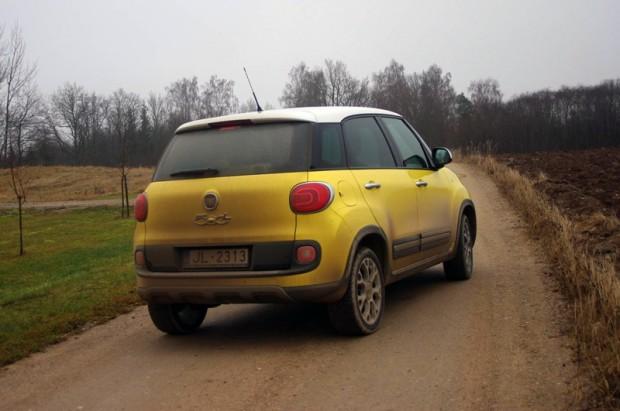 08-Fiat 500L Trekking