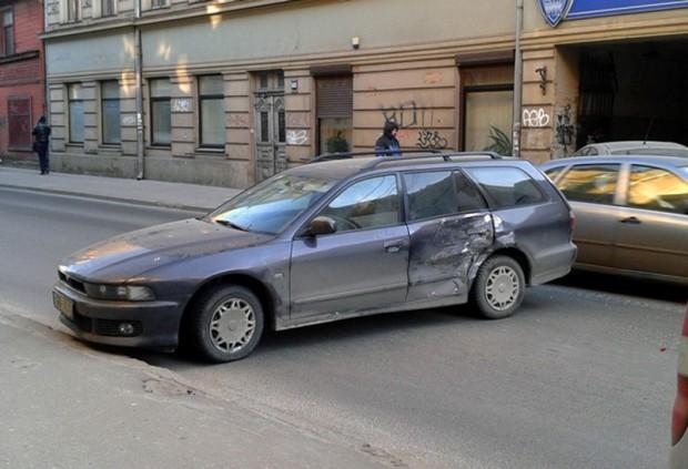 Avarija_avotu.iela.riga._30.01.2014_2