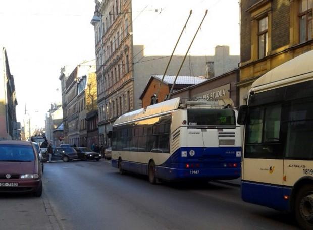 Avarija_avotu.iela.riga._30.01.2014_4
