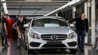 """Šodien (5.02.) no kompānijas """"Mercedes-Benz"""" Brēmenes montāžas rūpnīcas konveijera svinīgos apstākļos sagaidīts pirmais jaunās paaudzes C klases eksemplārs. Jau tuvākā..."""