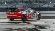 """Šo intrigu """"Honda Yuasa Racing"""" komanda pietaupīja līdz pēdējam brīdim – tikai nedēļu pirms Britu salonautomobiļu čempionāta (BTCC) pirmā posma..."""