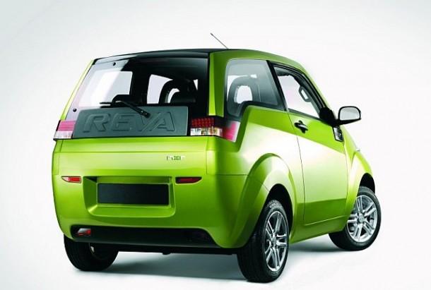 Mahindra-E20-rear-01
