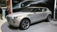 """Koncerna """"Daimler"""" vadība apsver iespēju iegādāties nīkuļojošo britu sporta automobiļu ražotāju """"Aston Martin"""". Populārais britu žurnāls """"Autocar"""" ziņo, ka burtiski..."""