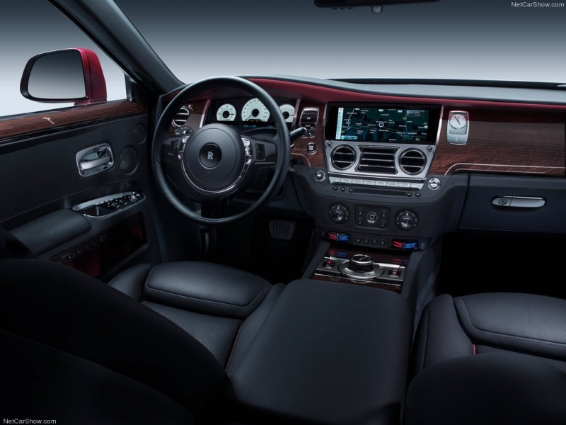 Rolls-Royce-Ghost_Series_II_05