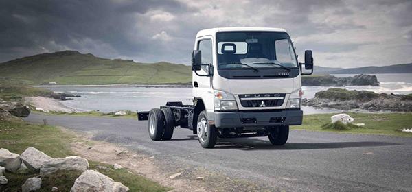Mitsubishi_truck_1