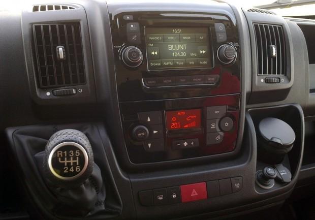 9-Peugeot Boxer 2.2HDi 6MT