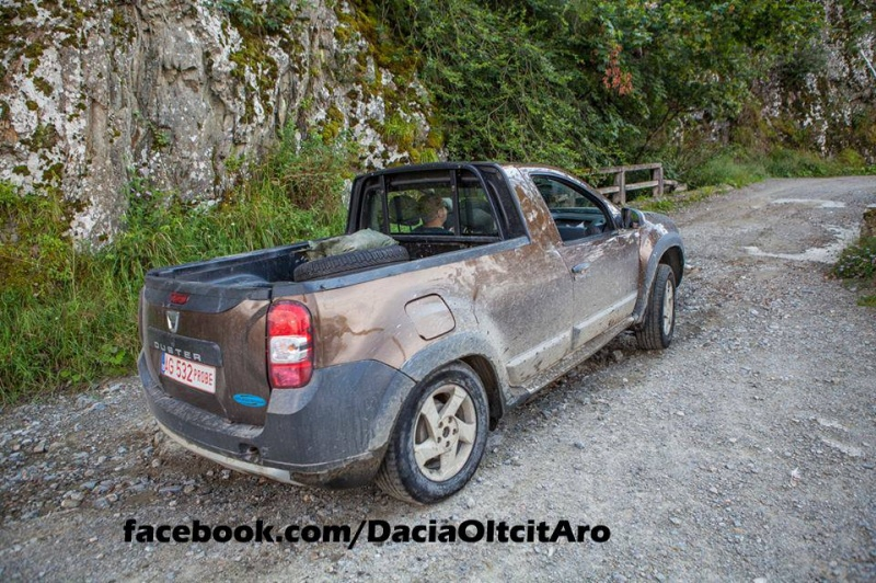 dacia-duster-2-door-puck-up-prototype-spied-in-romania_3