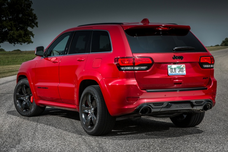 Jeep_GrCherokee_srt_2