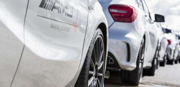 Dunlop ist offizieller Partner der AMG Driving Academy