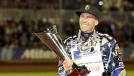 Amerikāņu motobraucējs Gregs Henkoks 44 gadu (!) vecumā trešo reizi karjerā ir kļuvis par pasaules čempionu spīdvejā. Pirmo reizi viņš...
