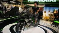 """Par galveno """"pērli"""", ko japāņu motociklu ražotājs """"Kawasaki"""" prezentēja pagājušajā nedēļā notikušajā motociklu izstādē Ķelnē (Vācijā), kļuva jaunās paaudzes sporta..."""