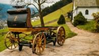 Turklāt zīmīgi, ka tas nav arhaisks sporta automobilis, bet gan kaut kas līdzīgs glauniem federratiem, tikai zirga vietā tos pārvietoja...