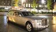 """Beidzot viens """"Rolls-Royce Phantom"""" ir pārbūvēts un pielāgots pārvadāt tos, kam tas idejiski piestāv vislabāk. Itāļu firma """"Biemme Special Cars""""..."""