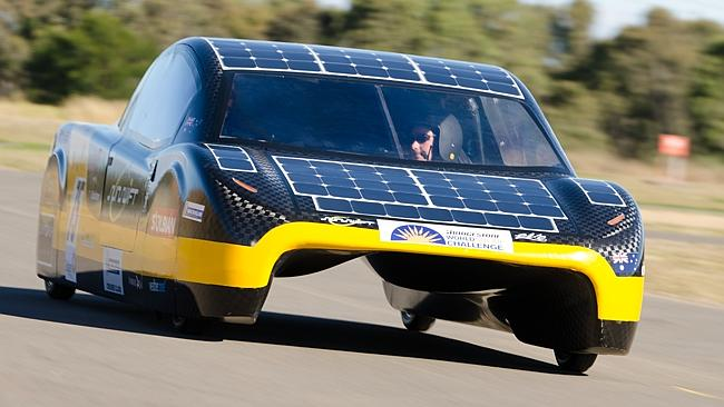 Sunswift-eVe-solar-powered-car-3