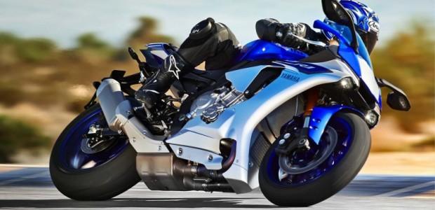 2015-Yamaha-YZF-R1-31