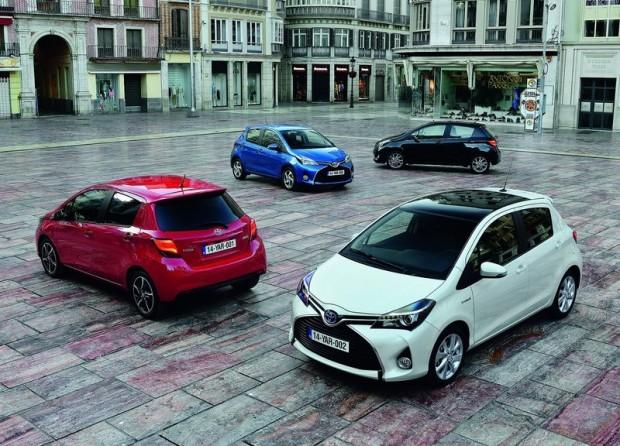 9-Toyota Yaris Hibrid_2015